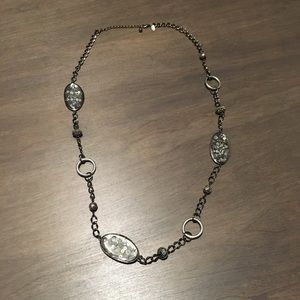 Laura Ashley long necklace ❤️😍❤️😍❤️